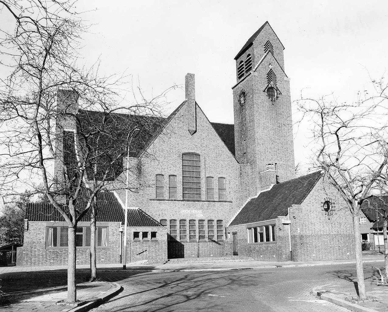 Goede Herderkerk in 1988 (Emmalaan, Bedum). Foto: Jan Hovinga, Groninger Archieven