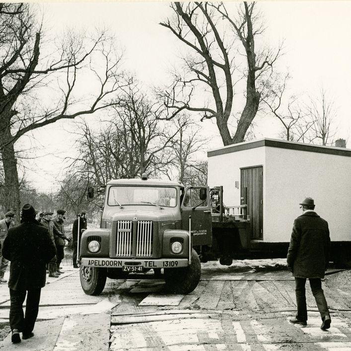 Plaatsing archiefbewaarplaats, Winsum, 1973.
